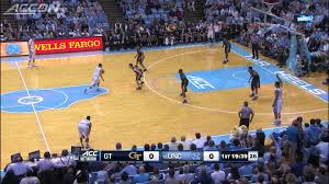 UNC spreads the floor